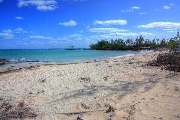 Terreno por un Venta en Unique Beachfront Parcel of 2.4 Acres (MLS17537) Turtle Rocks, Abaco, Bahamas