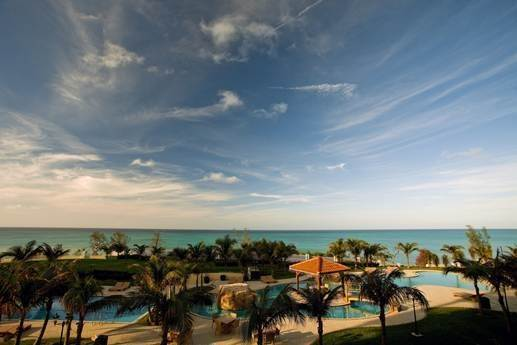 Co-op / Condo for Sale at Stylish condo stunner Caves Heights, Nassau And Paradise Island, Bahamas