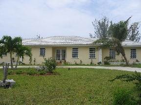 Single Family Homes for Rent at Lovely Canal Home Freeport And Grand Bahama, Bahamas