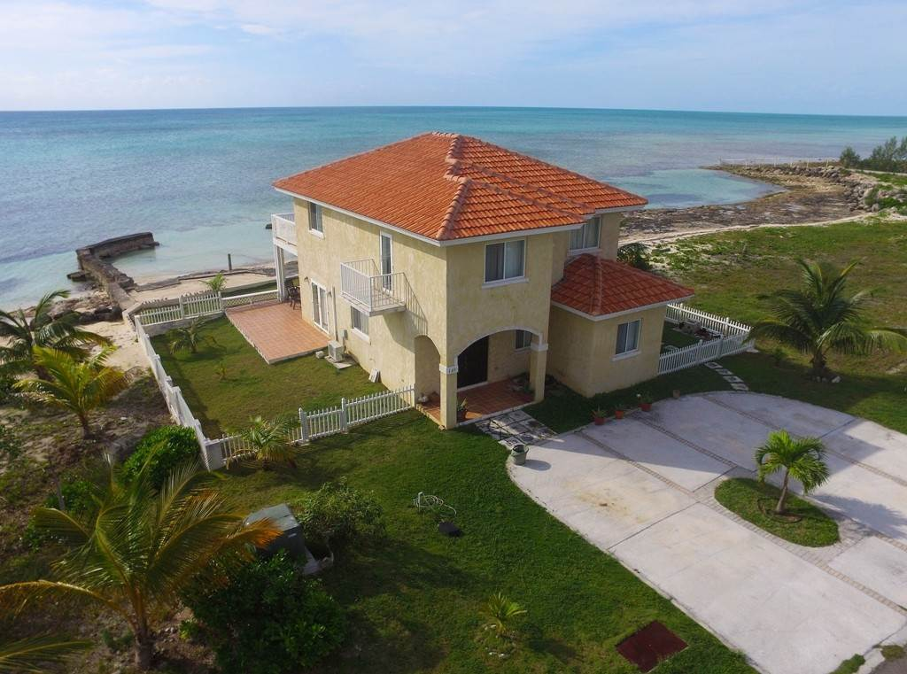 Single Family Homes for Rent at Prime Oceanfront 4-bedroom house in Gated Community. Treasure Cove, Yamacraw, Nassau And Paradise Island Bahamas
