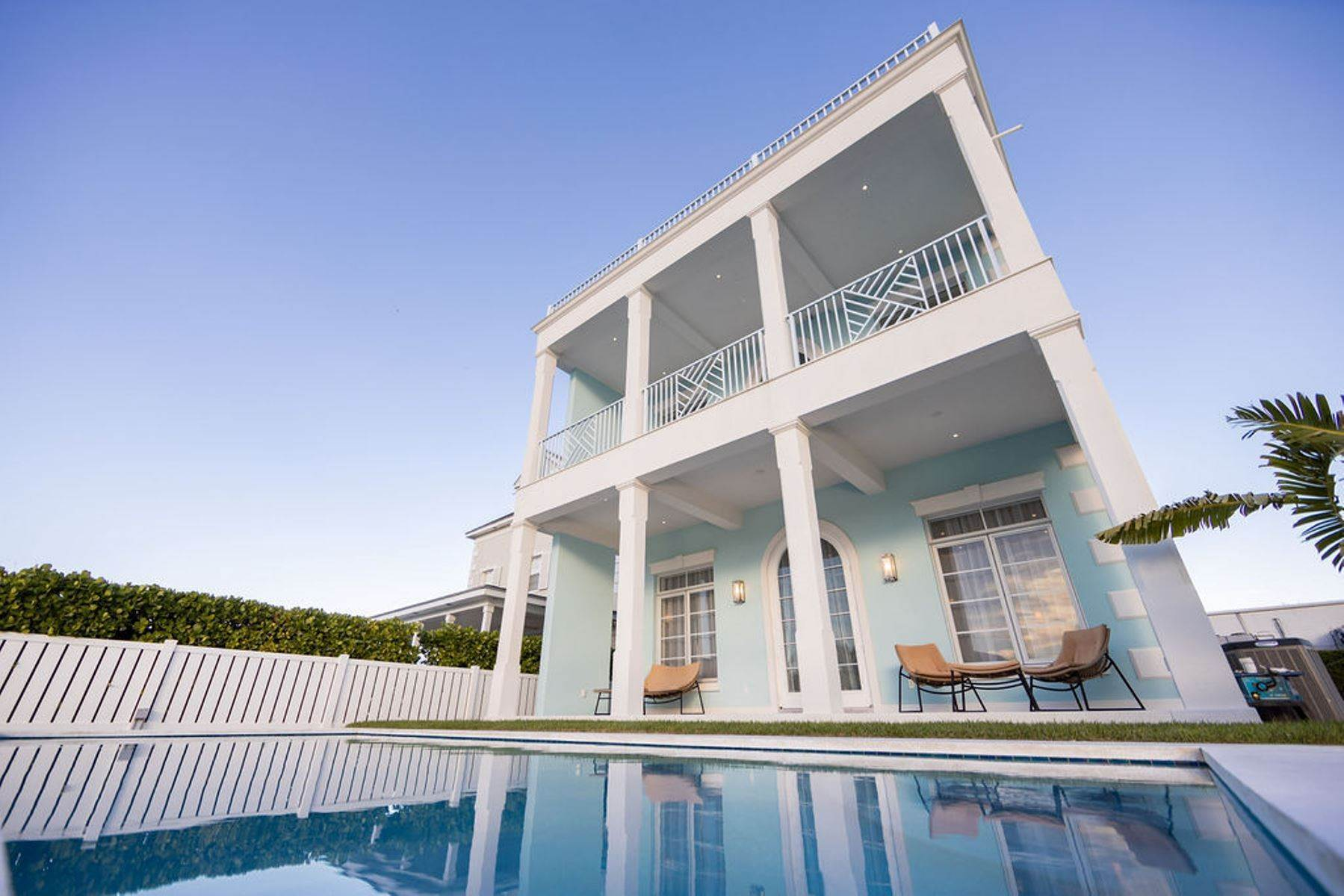Single Family Homes por un Alquiler en Sandyport Contemporary Canal Front Home MLS 41584 Sandyport, Cable Beach, Nueva Providencia / Nassau Bahamas