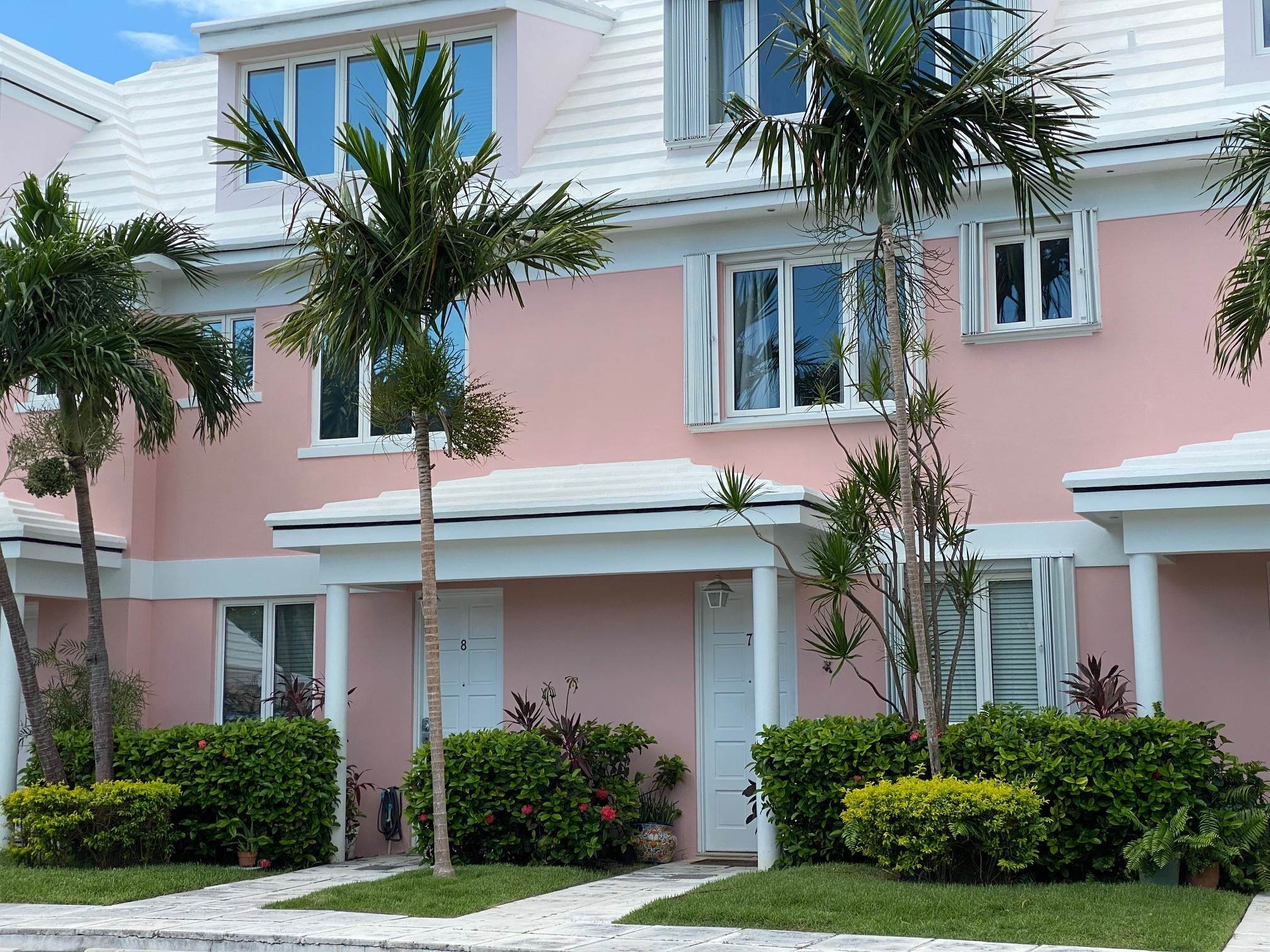 Co-op / Condo for Rent at Spacious Executive Canal Front townhouse - MLS 42525 Port New Providence, Yamacraw, Nassau And Paradise Island Bahamas