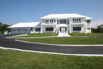 Single Family Homes for Sale at 2.6-Acre Estate Home Nassau And Paradise Island, Bahamas