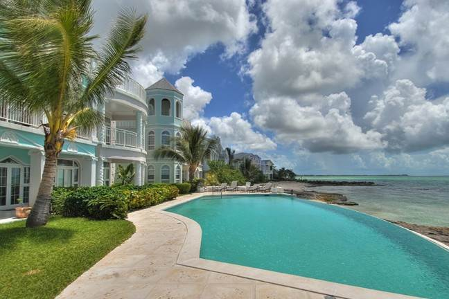 Co-op / Condominio por un Venta en Private Beachfront Gated Community Nueva Providencia / Nassau, Bahamas