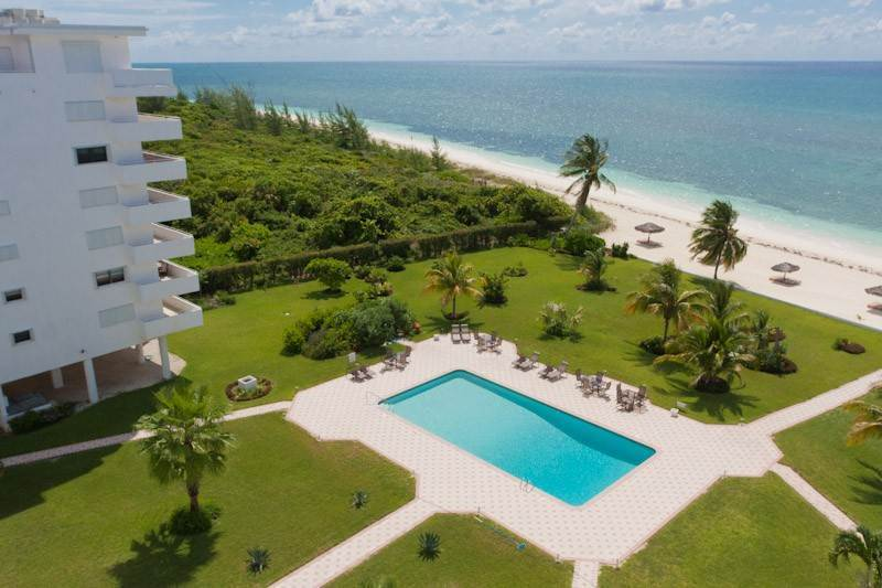 Co-op / Condo for Sale at Spacious Penthouse in Silver Point, Lucaya with Dazzling Beach and Ocean Views - MLS 29954 Silver Point, Freeport And Grand Bahama, Bahamas