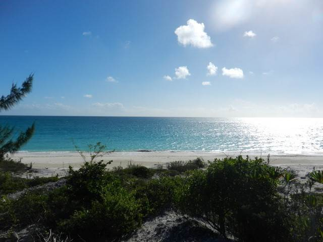 Terreno por un Venta en Georgeous Cat Island Beachfront lot Pigeon Cay, Cat Island, Bahamas