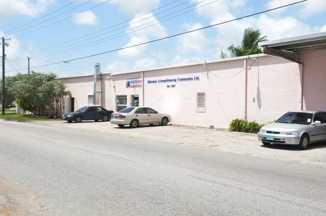 Commercial for Sale at Centrally located commercial property Chesapeake, Freeport And Grand Bahama, Bahamas