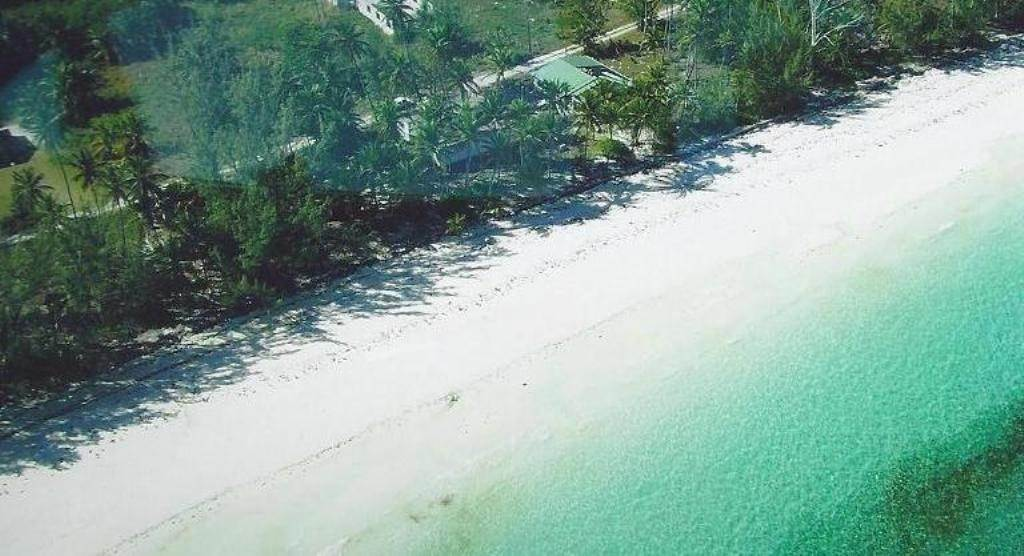 Single Family Homes for Sale at Beach cottage with development acreage Congo Town, Andros, Bahamas