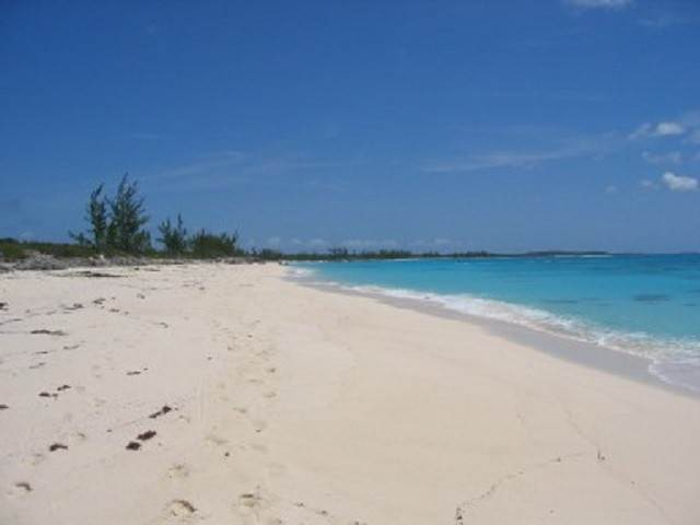 Land for Sale at Large Oceanfront Lot Rum Cay, Bahamas