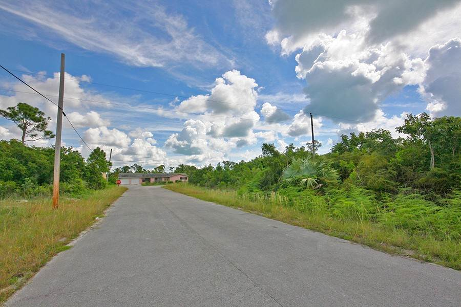 Land for Sale at Fortune Point Duplex Lot Near Beach! Fortune Point, Freeport And Grand Bahama, Bahamas