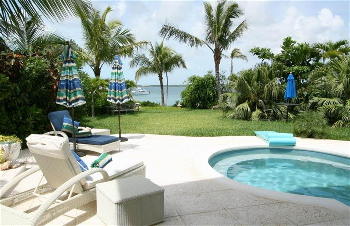 Single Family Homes for Sale at Seabreeze Estate MLS 24919 Harbour Island, Eleuthera, Bahamas
