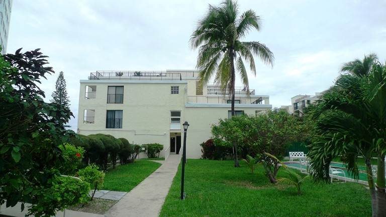 Co-op / Condo for Sale at Beachfront Condo with Great Views Lucayan Beach, Freeport And Grand Bahama, Bahamas