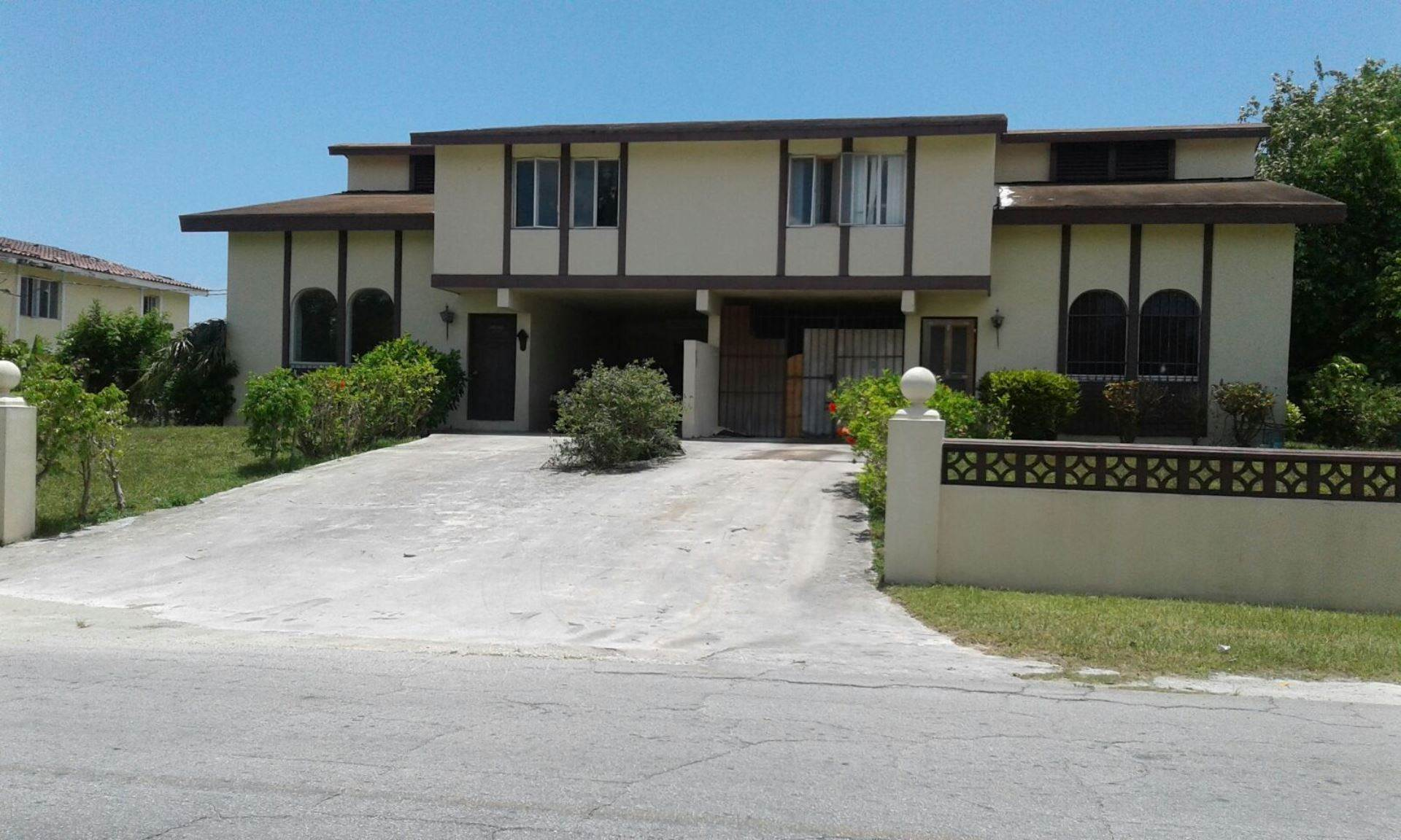 Multi Family for Sale at Awesome Townhouse in Sea Horse Village - MLS 27761 Seahorse Village, Freeport And Grand Bahama, Bahamas