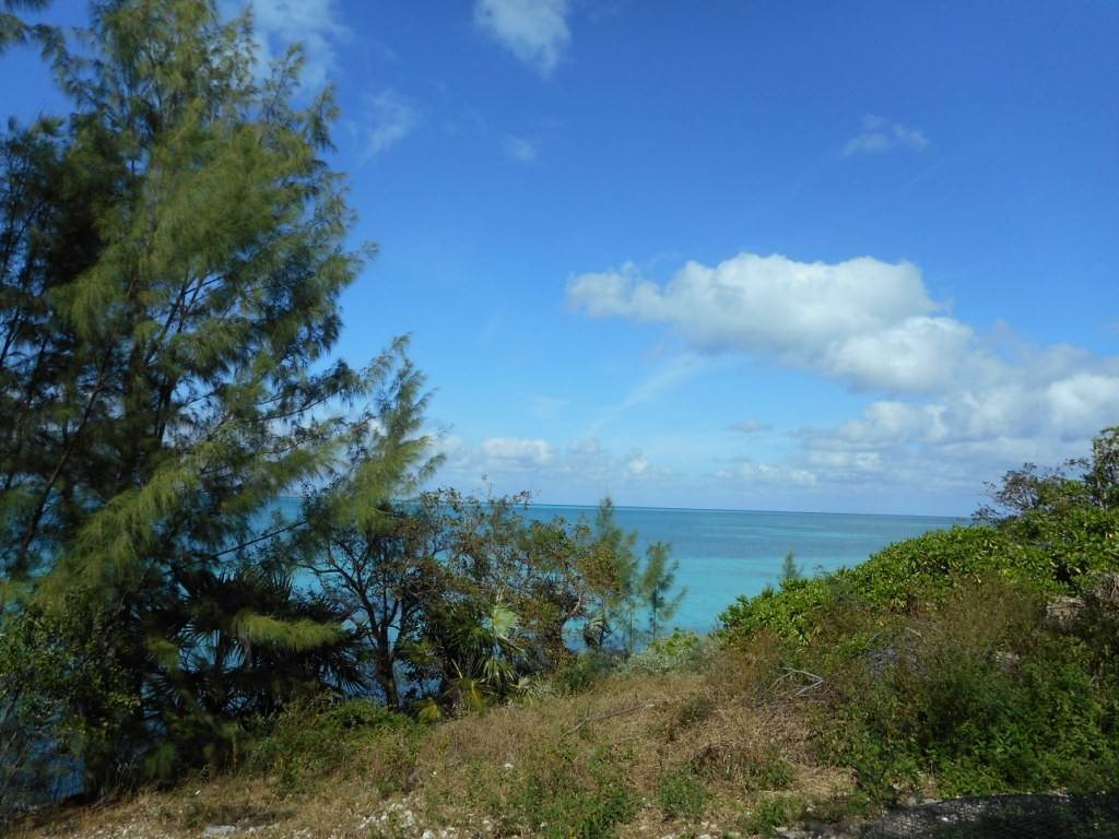 Terreno / Lote por un Venta en Waterfront property on Russell Island Russell Island, Eleuthera, Bahamas