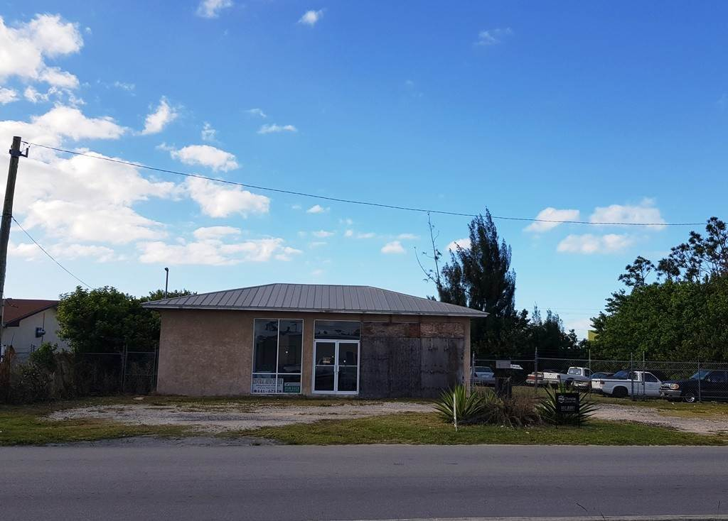 Commercial for Sale at Commercial Building Steal of a Deal Civic Industrial Area, Freeport And Grand Bahama, Bahamas
