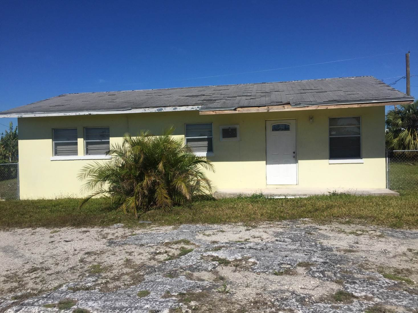 Single Family Homes for Sale at Single Family Home Explorer Way Downtown Freeport, Freeport And Grand Bahama, Bahamas