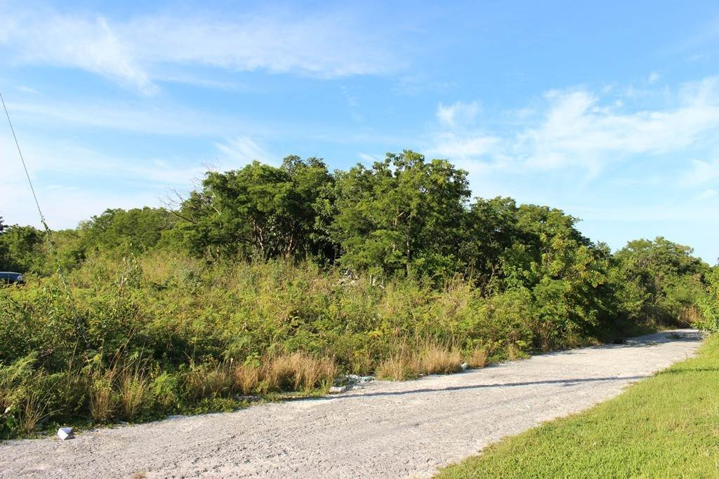 Terreno por un Venta en Large Lot in Grand Bahama Acres - MLS 35588 Holmes Rock, Gran Bahama Freeport, Bahamas