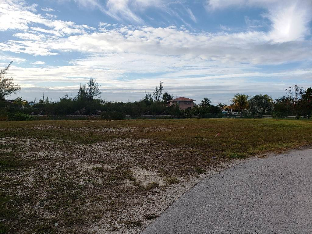 Terreno por un Venta en Single Family Lot on the Canal in Bahamia West Replat MLS 36383 Bahamia, Gran Bahama Freeport, Bahamas
