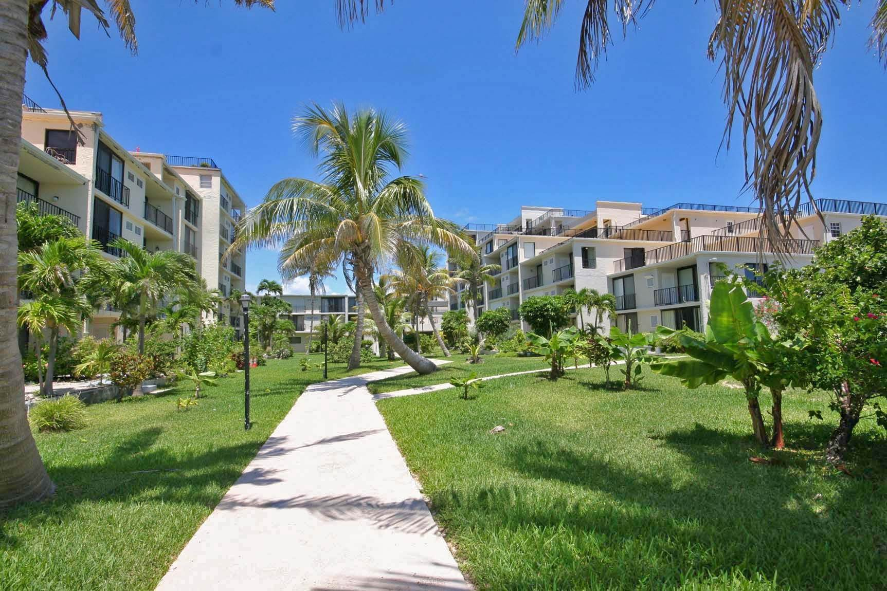 Co-op / Condo for Sale at Nicely Renovated Coral Beach Studio Lucayan Beach West, Freeport And Grand Bahama, Bahamas