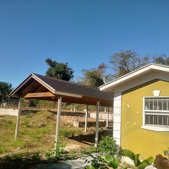 Single Family Homes por un Venta en Cottage and Foundation, Hamilton Subdivision, Carmichael Road Area - MLS 36790 Carmichael Road, Nueva Providencia / Nassau, Bahamas
