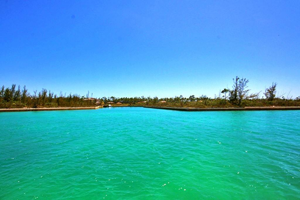 Terreno por un Venta en Gorgeous Canal Lot in Emerald Bay Emerald Bay, Gran Bahama Freeport, Bahamas