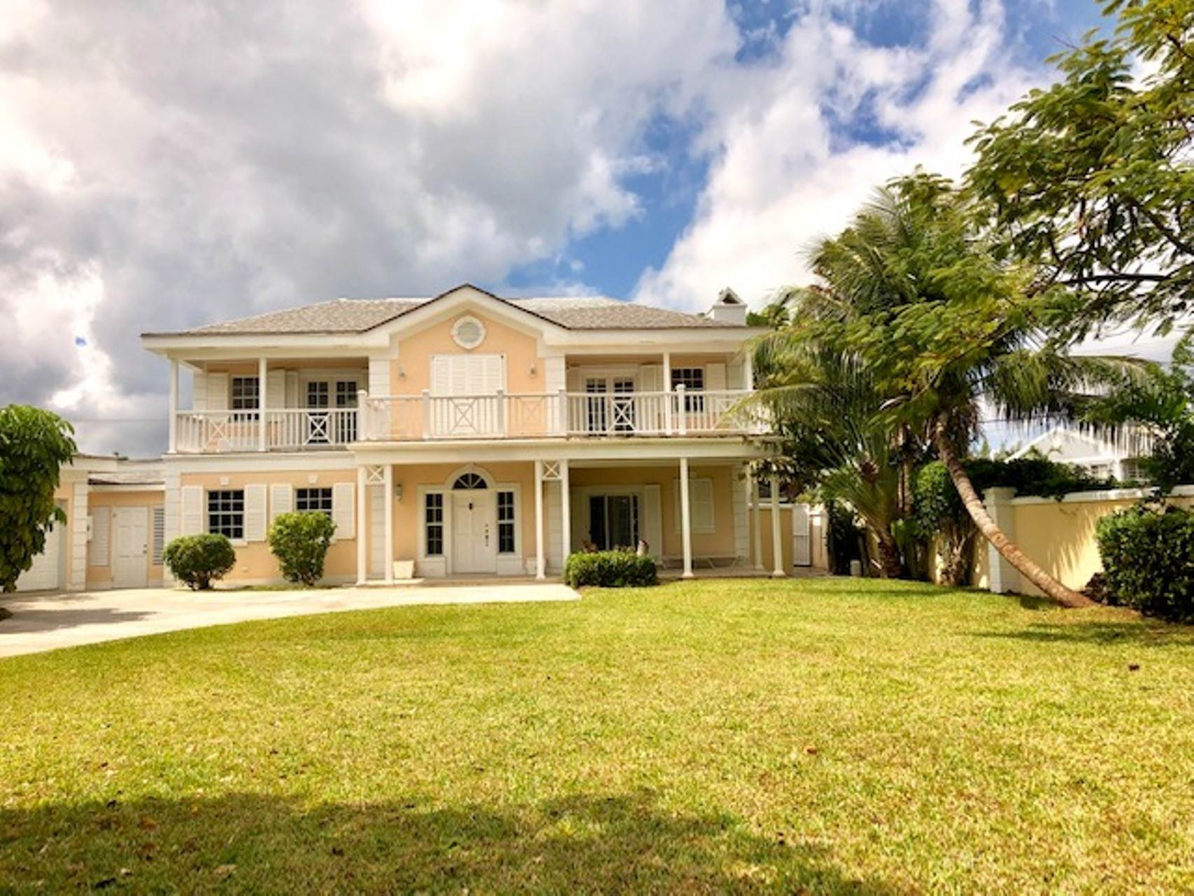 Single Family Homes for Sale at Executive Home for sale in Sandyport Sandyport, Cable Beach, Nassau And Paradise Island Bahamas