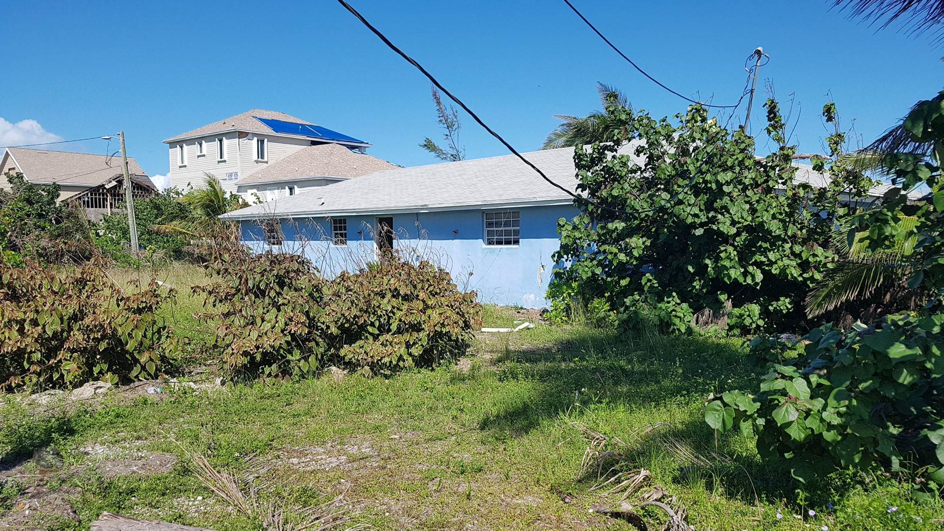 Single Family Homes por un Venta en Contractor's Special located in Coopers Town, Abaco Island - MLS 43317 Coopers Town, Abaco, Bahamas