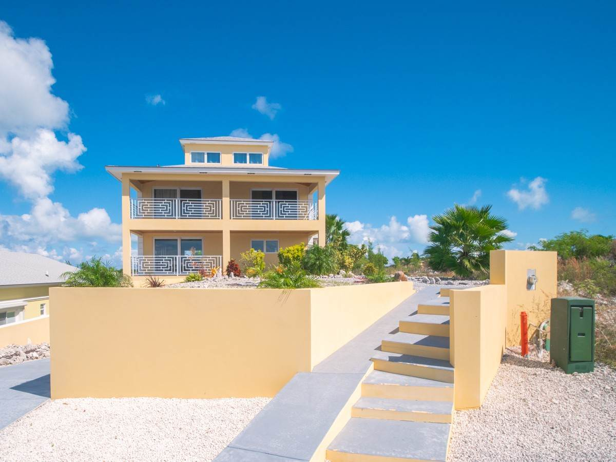 Single Family Homes for Sale at Palm Cay Hilltop Home - MLS 39275 Palm Cay, Yamacraw, Nassau And Paradise Island Bahamas
