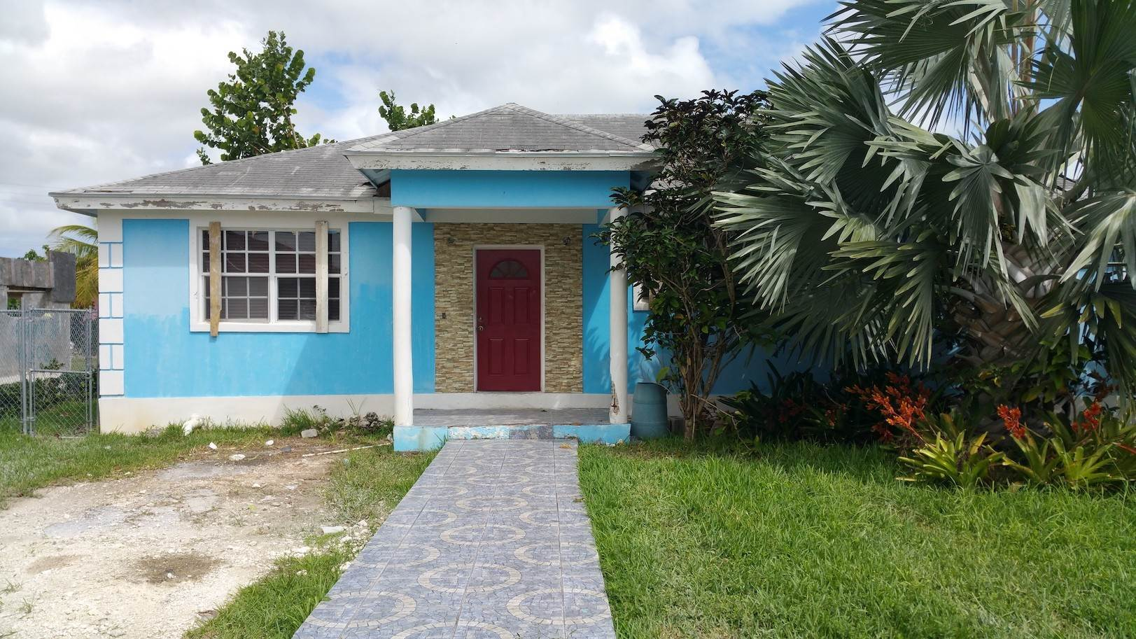 Single Family Homes for Sale at One of A Kind Residential Family Home in Faith Gardens Faith Gardens, Nassau And Paradise Island, Bahamas