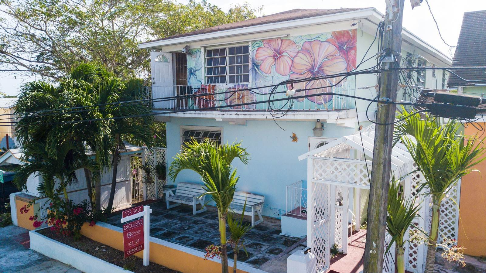 Commercial for Sale at Historic Bed and Breakfast near Downtown - MLS 40044 Downtown, Nassau And Paradise Island, Bahamas