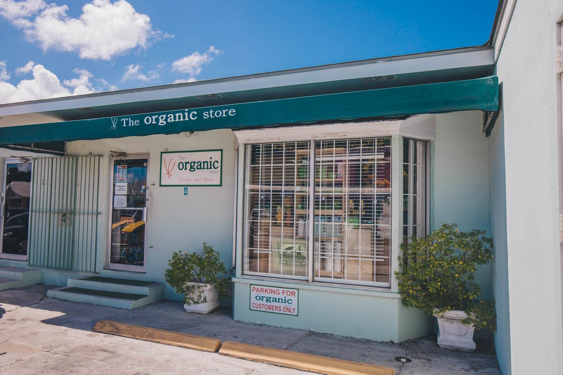 Commercial for Sale at The Organic Store - MLS 40519 Palmdale, Nassau And Paradise Island, Bahamas