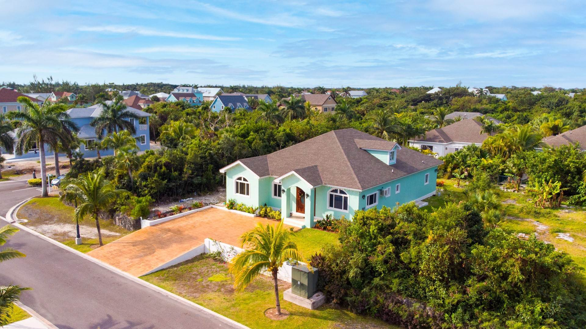 Single Family Homes for Sale at Villa Greenway House for Sale - MLS 41427 Charlotteville, Nassau And Paradise Island, Bahamas