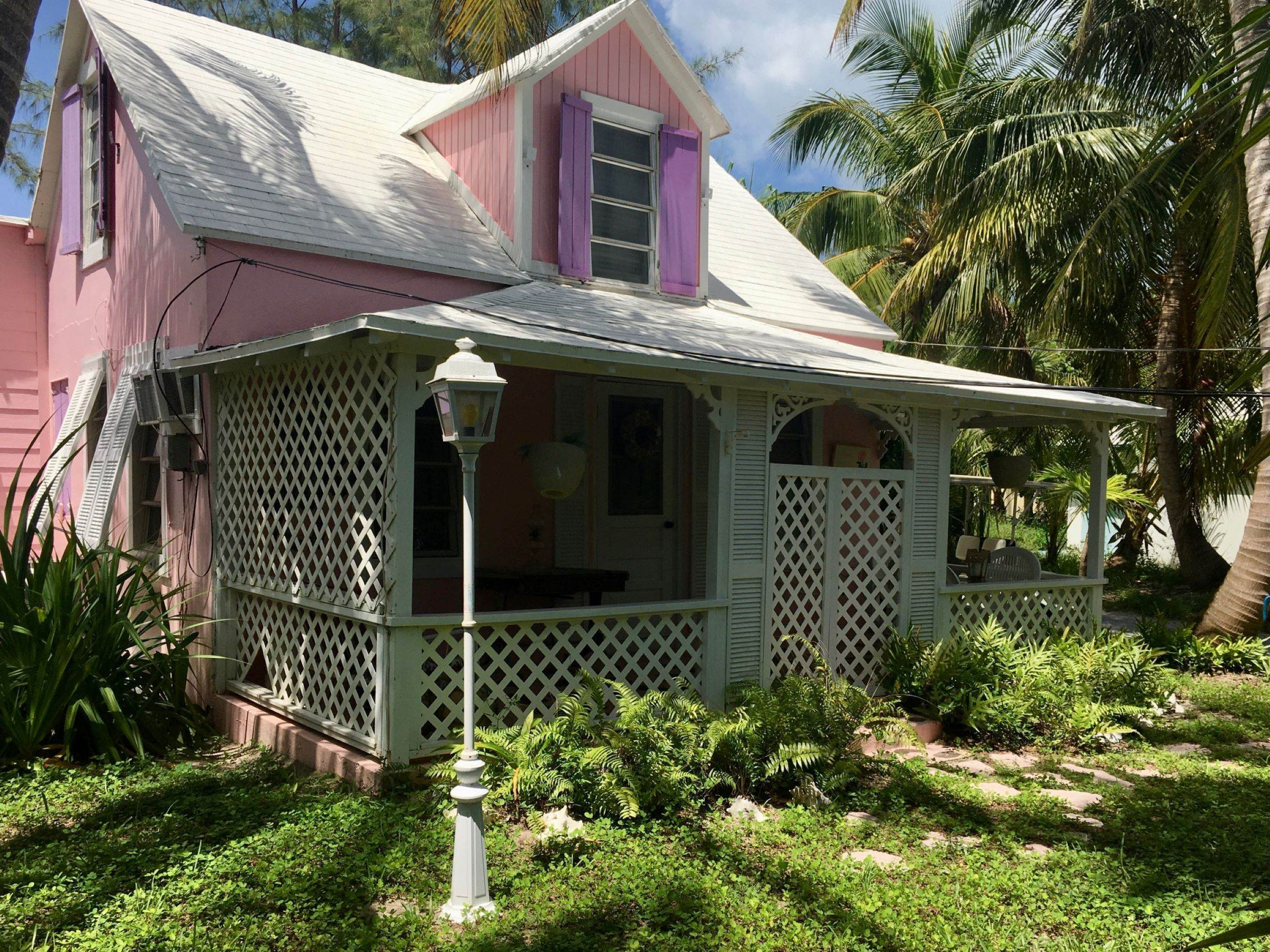 Single Family Homes for Sale at Quaint Historic Spanish Wells Cottage Spanish Wells, Eleuthera, Bahamas