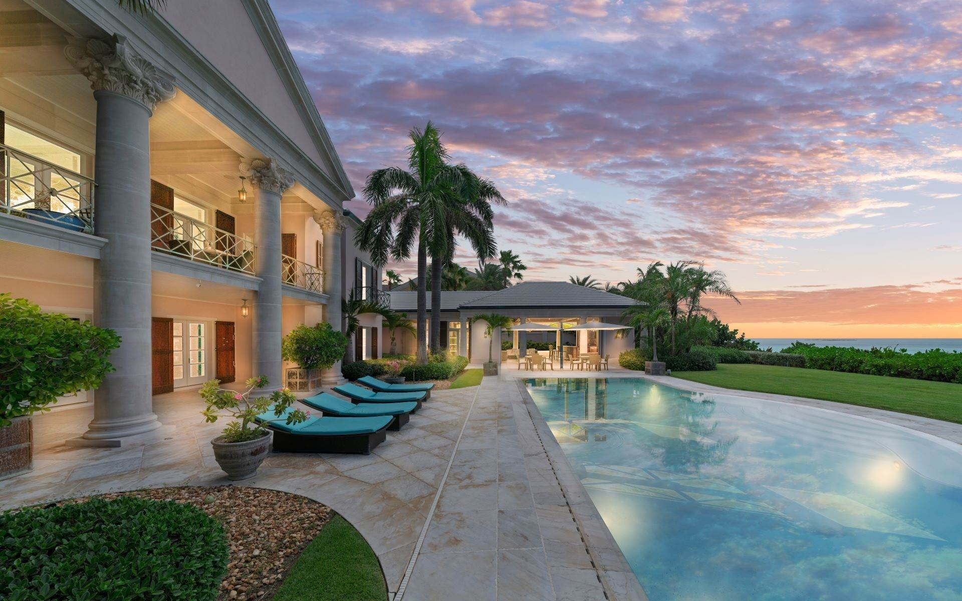 Single Family Homes for Sale at Stately Turn Key Beachfront Estate - MLS 41821 Ocean Club Estates, Paradise Island, Nassau And Paradise Island Bahamas
