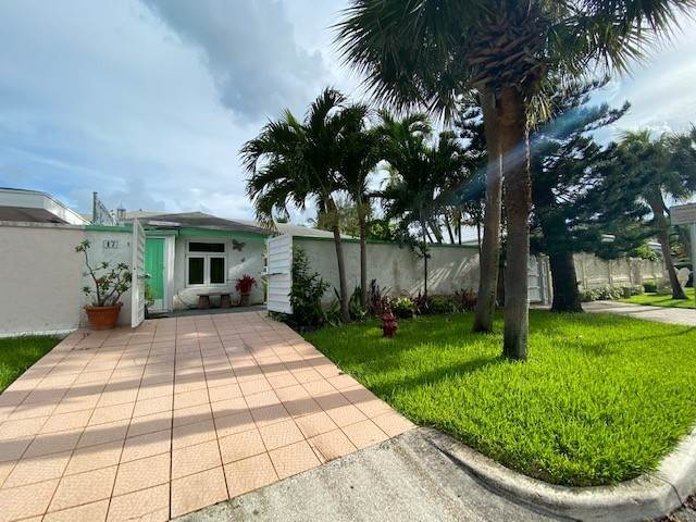 Co-op / Condo for Sale at #17 Ocean Park Villas - MLS 41517 Western End, Paradise Island, Nassau And Paradise Island Bahamas