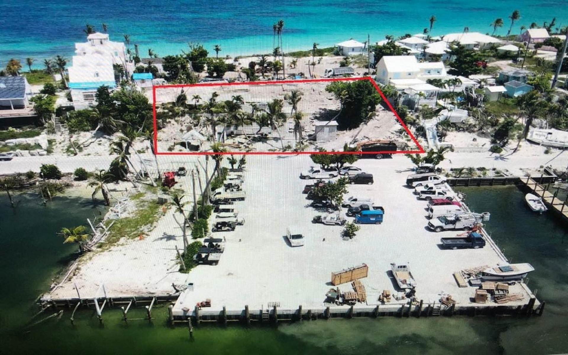 Terreno por un Venta en Glorious Harbour view land in Hope Town with dock & beach access - MLS 41817 Elbow Cay Hope Town, Abaco, Bahamas