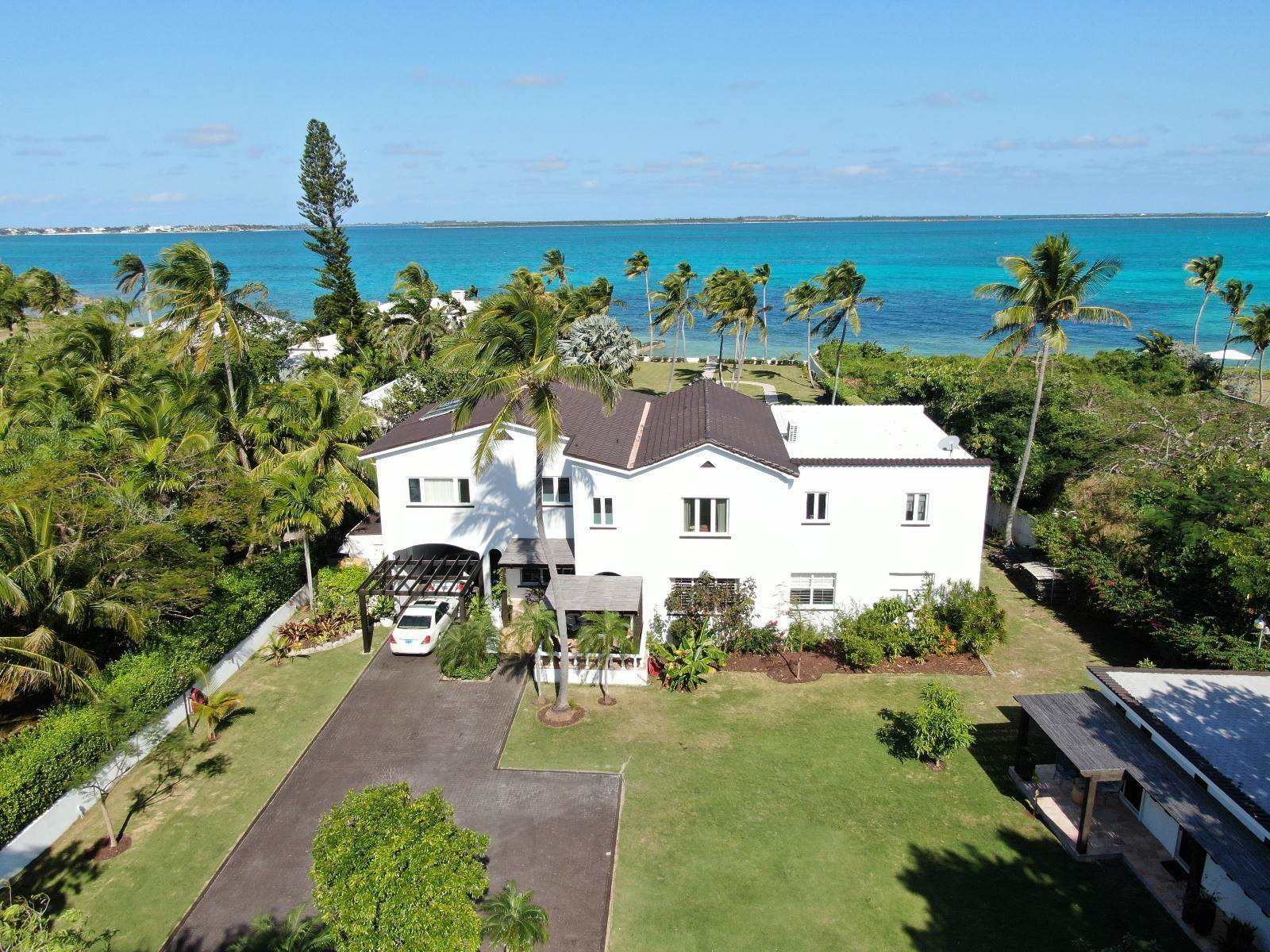 Single Family Homes for Sale at Newly renovated Oceanfront Estate - MLS 42846 Eastern Road, Nassau And Paradise Island, Bahamas