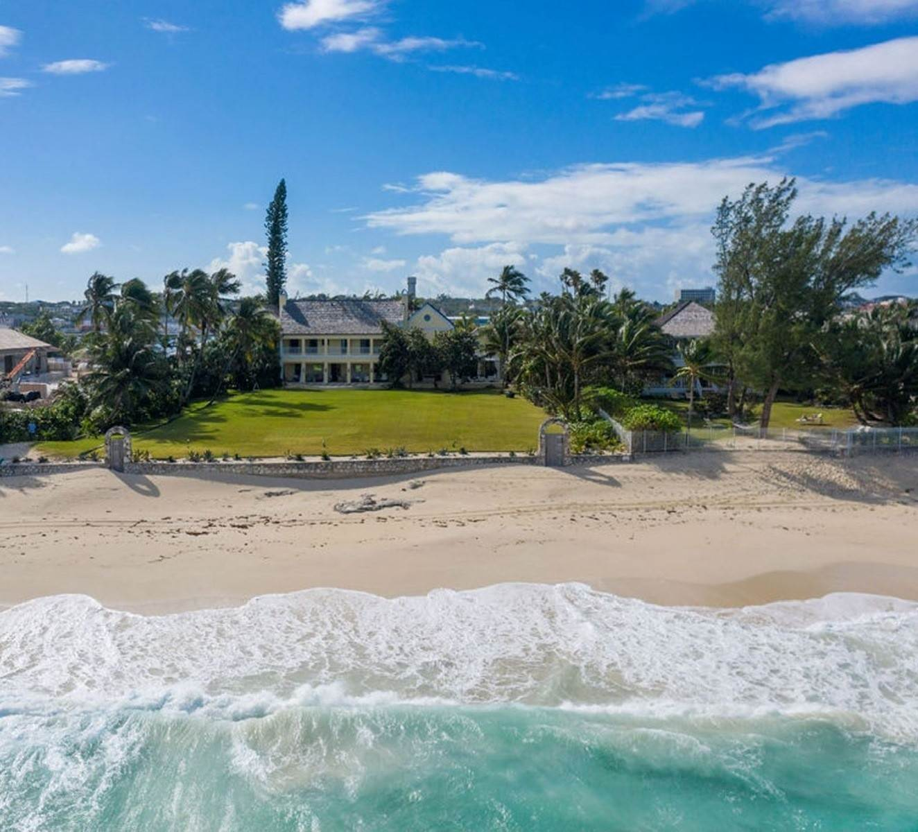 Single Family Homes for Sale at Kilkee House, Paradise island - MLS 42932 Western End, Nassau And Paradise Island, Bahamas