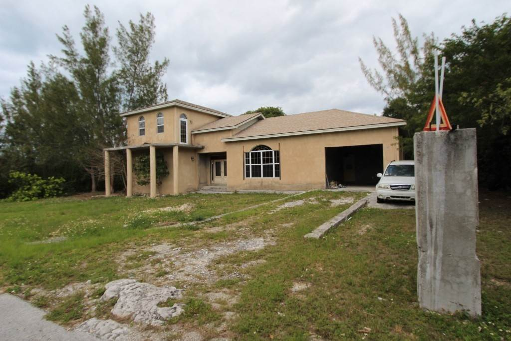 Single Family Homes por un Venta en Large Single Family Home Located in Fire Road - MLS 43281 Coopers Town, Abaco, Bahamas