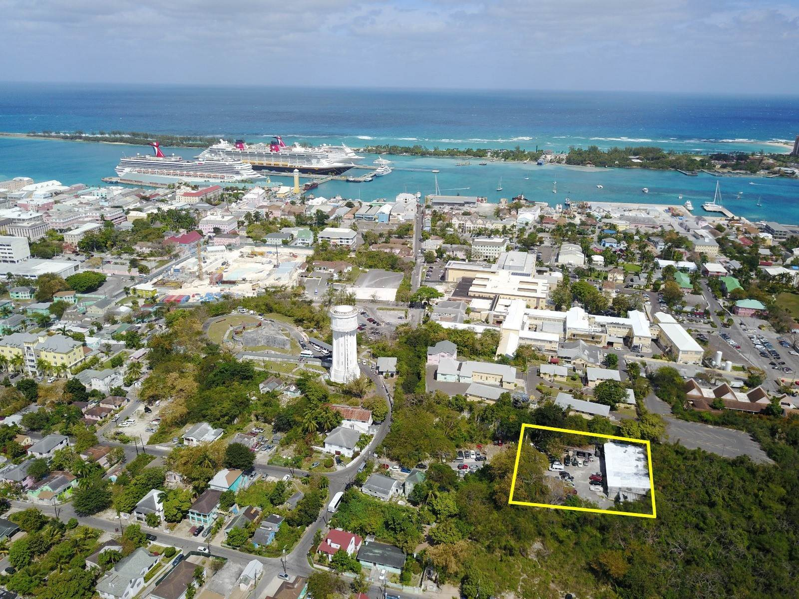 Comercial por un Venta en Excellent Commercial Location - MLS 44177 East Street North, Nueva Providencia / Nassau, Bahamas