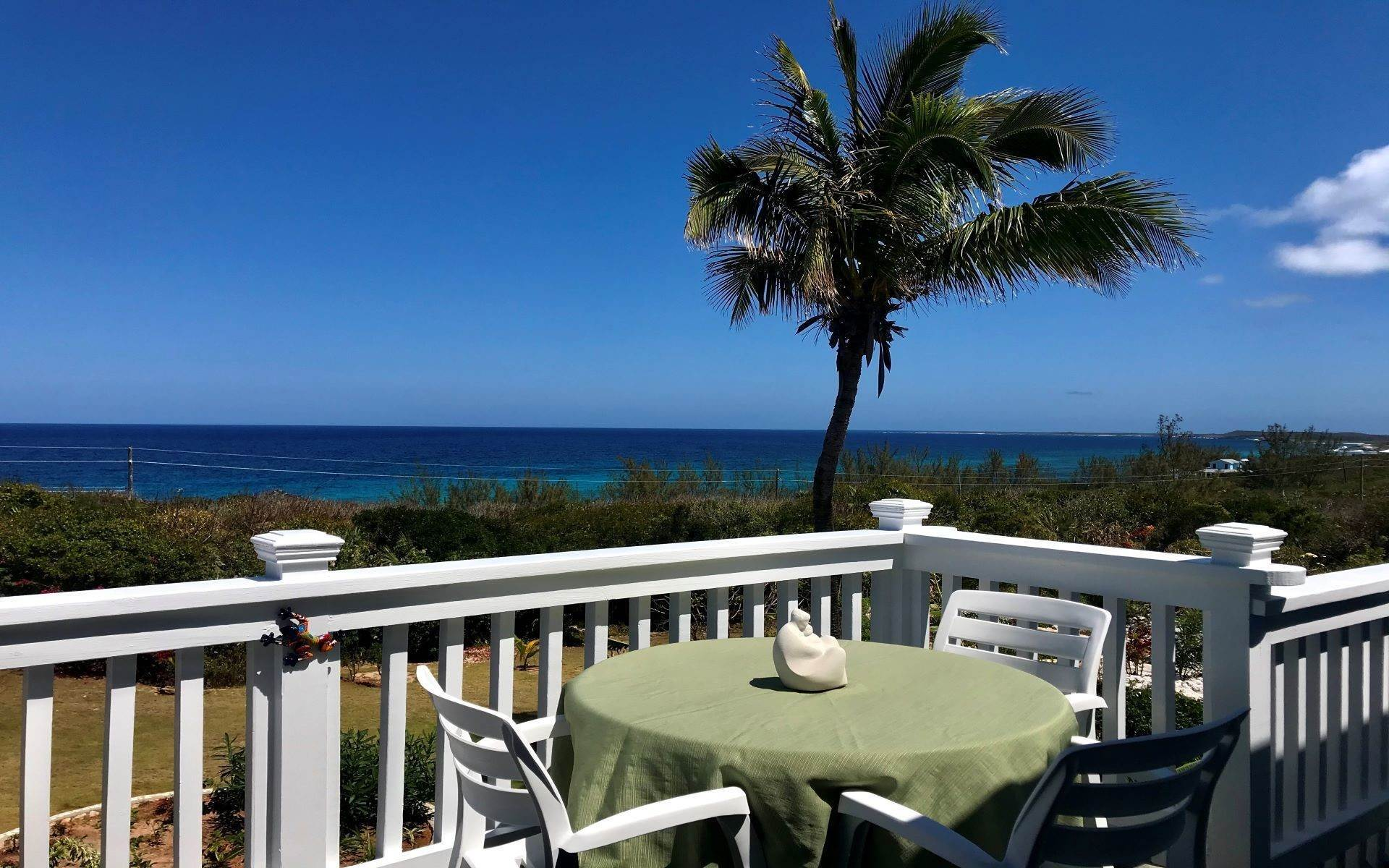Single Family Homes por un Venta en Unique Ocean-Facing Three Bedroom Family Home in Rainbow Bay Eleuthera - MLS 43558 Rainbow Bay, Eleuthera, Bahamas
