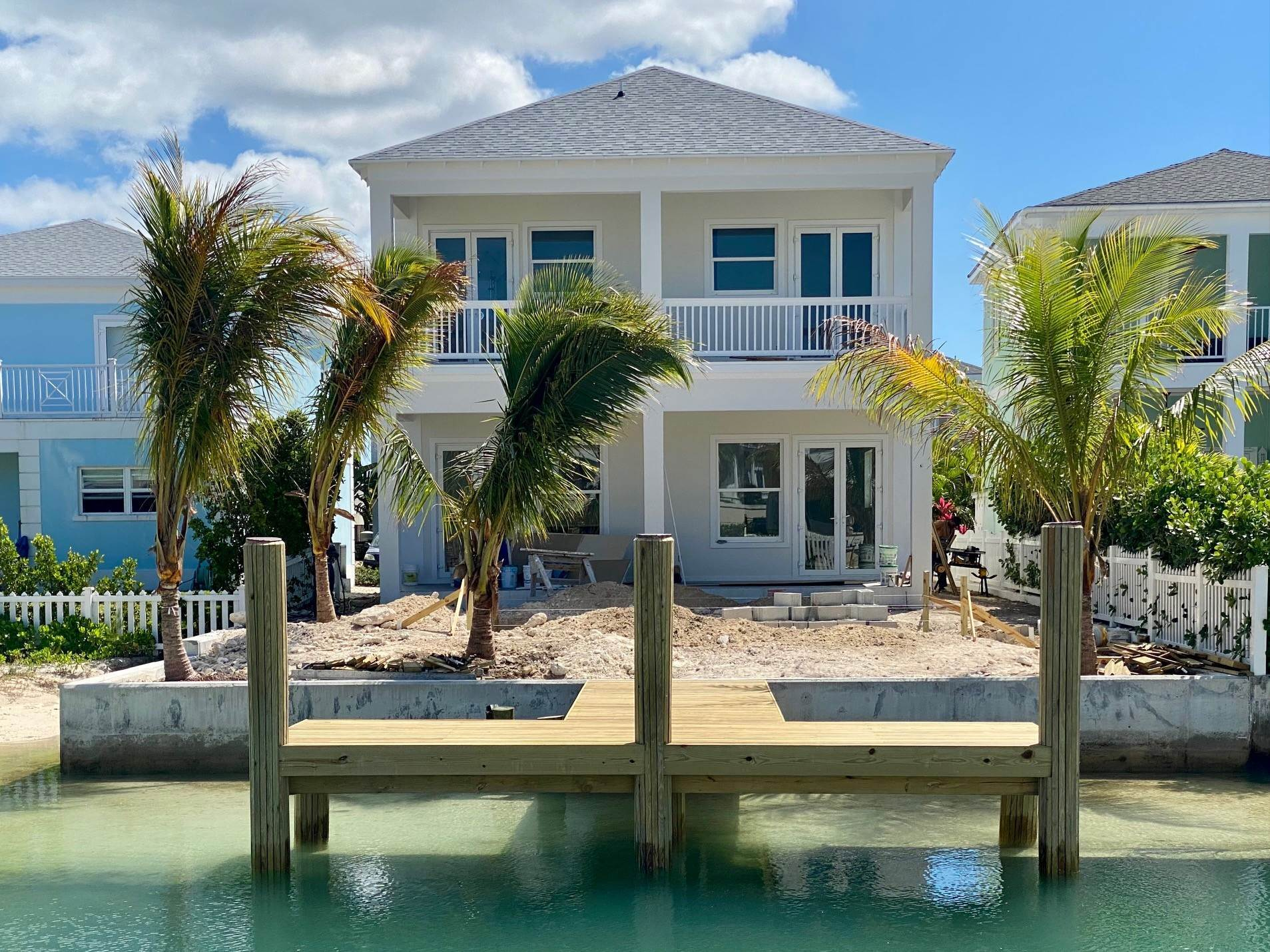 Single Family Homes for Sale at Grand Contemporary Home in Sandyport - MLS 43963 Sandyport, Cable Beach, Nassau And Paradise Island Bahamas