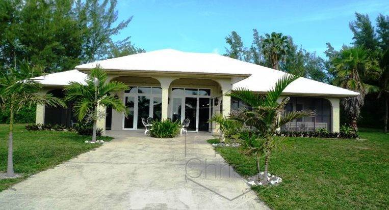 Single Family Homes for Sale at Beautiful Beachfront Home In Golden Grove Golden Grove Estates, Freeport And Grand Bahama, Bahamas