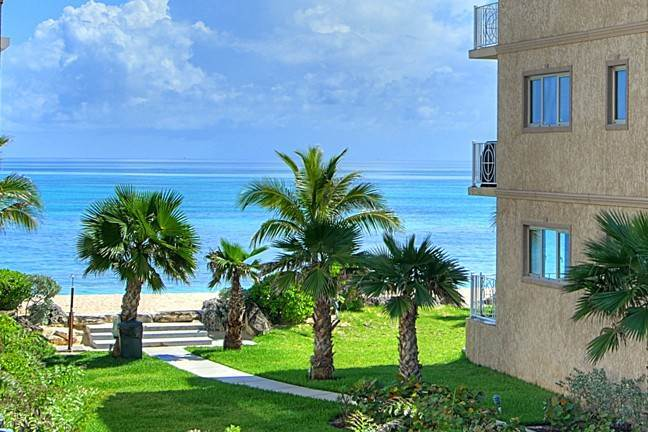 Co-op / Condominio por un Alquiler en Stunning Condo On Love Beach Walk Love Beach, Nueva Providencia / Nassau, Bahamas