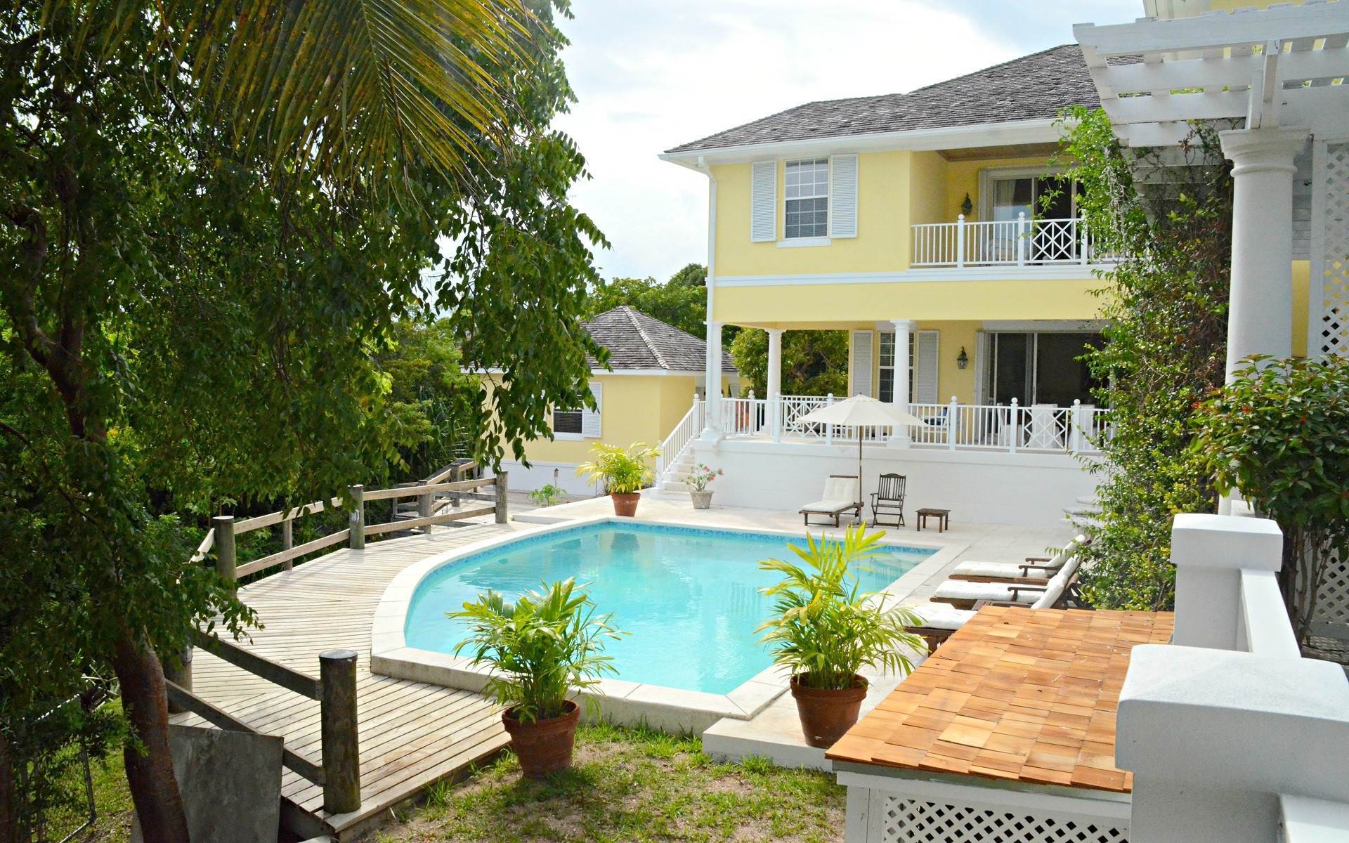 Single Family Homes for Rent at Perfect Cul-de-Sac Home . Available July 20, 2020 Lyford Cay, Nassau And Paradise Island, Bahamas