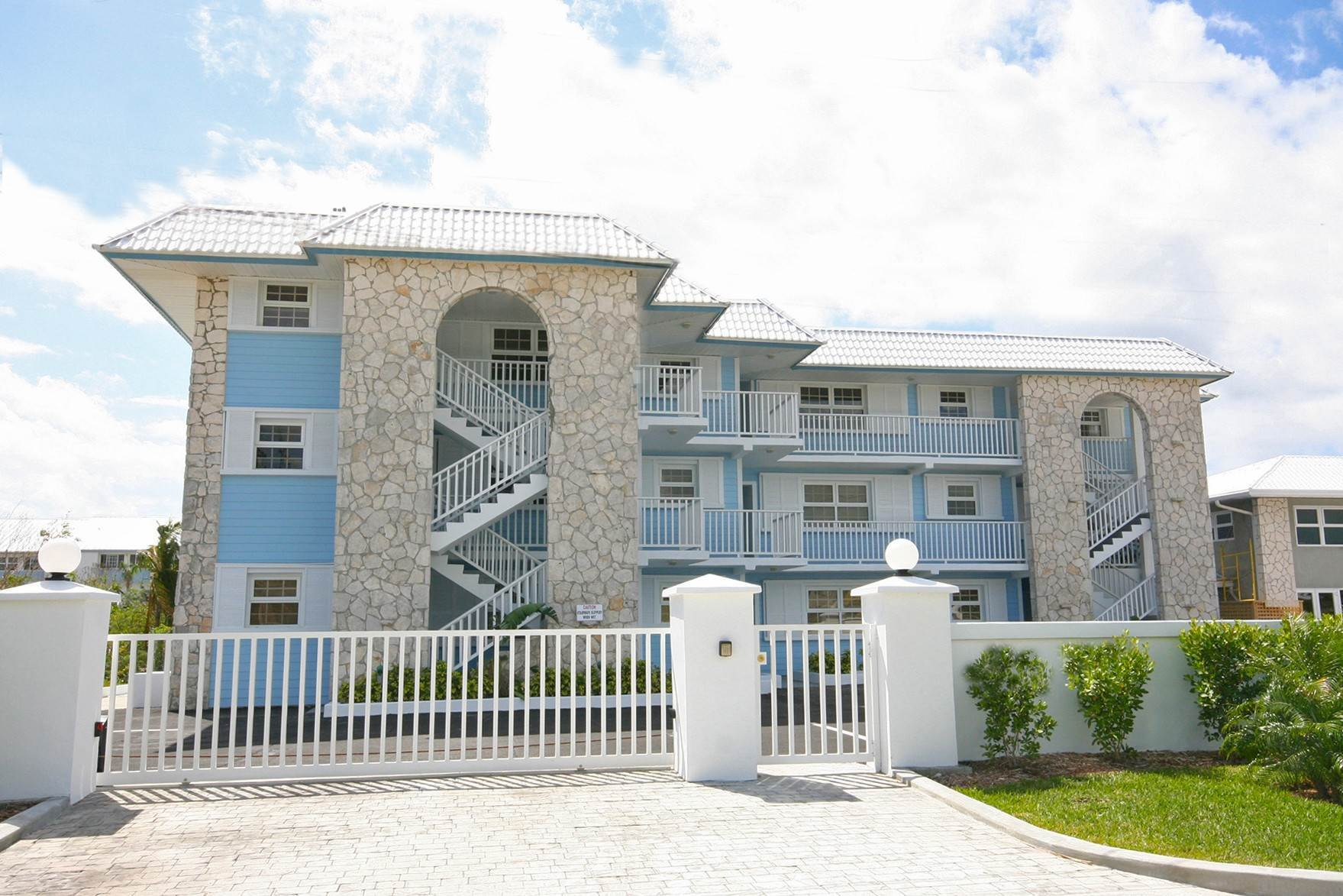 Co-op / Condo for Rent at Brand New Luxury 1 Bedroom Condo on the Canal in Lucaya Freeport And Grand Bahama, Bahamas
