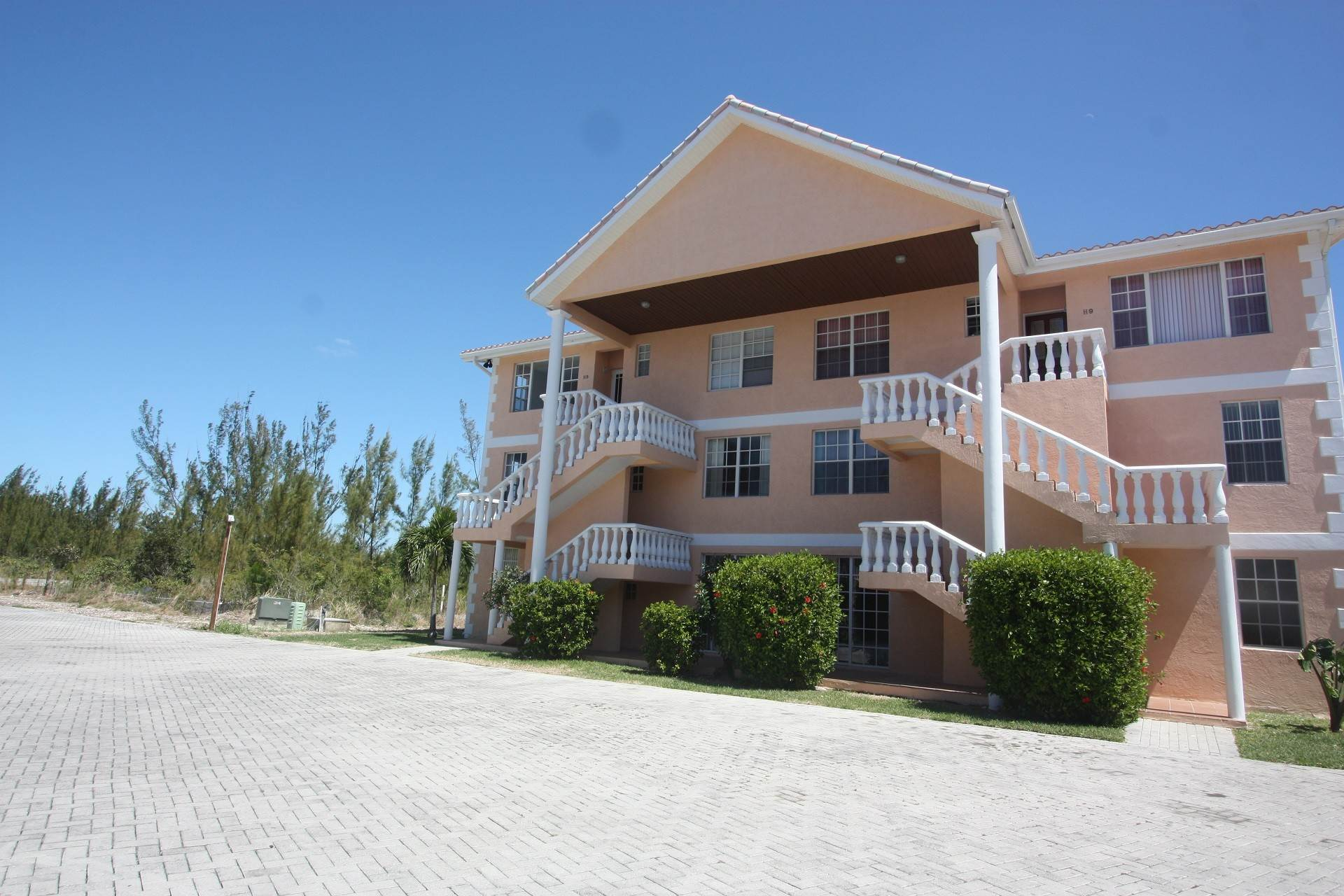 Co-op / Condo for Rent at Water's Edge Condo Bahama Terrace Yacht And Country Club, Freeport And Grand Bahama, Bahamas