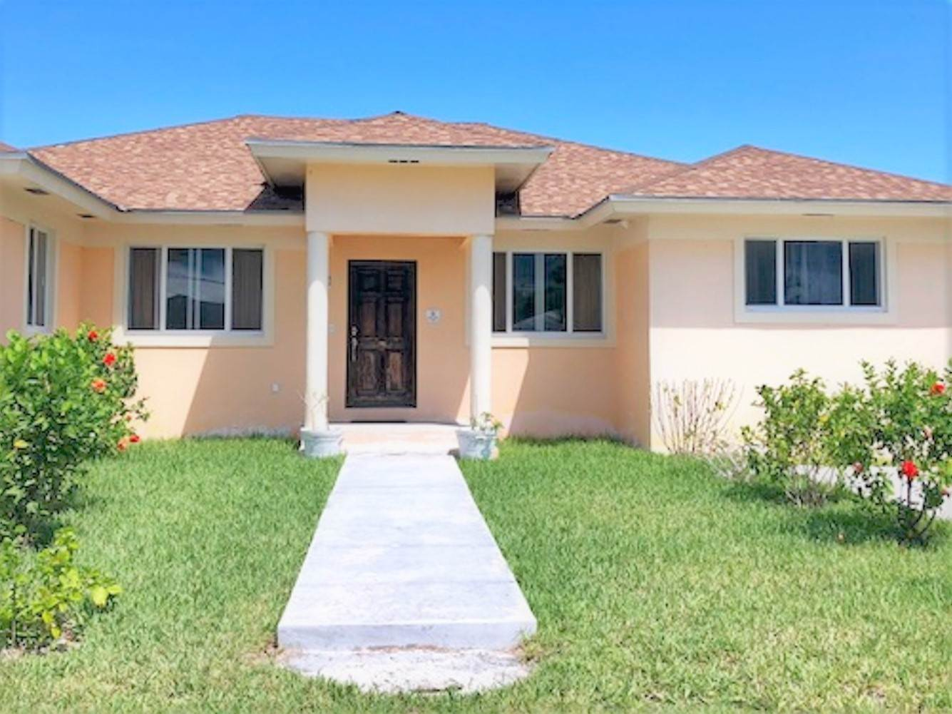 Single Family Homes for Rent at Executive House for Rent in Western New Providence - MLS 38844 Tropical Gardens, Nassau And Paradise Island, Bahamas