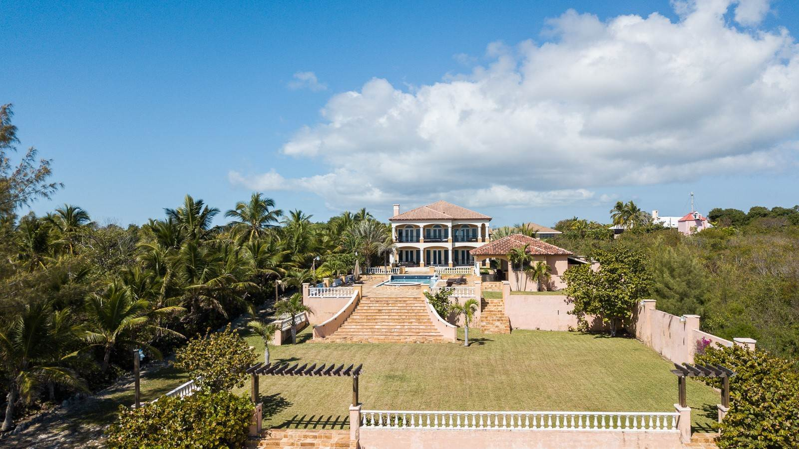 Single Family Homes por un Alquiler en Stunning Oceanfront Masterpiece Eastern Road, Nueva Providencia / Nassau, Bahamas