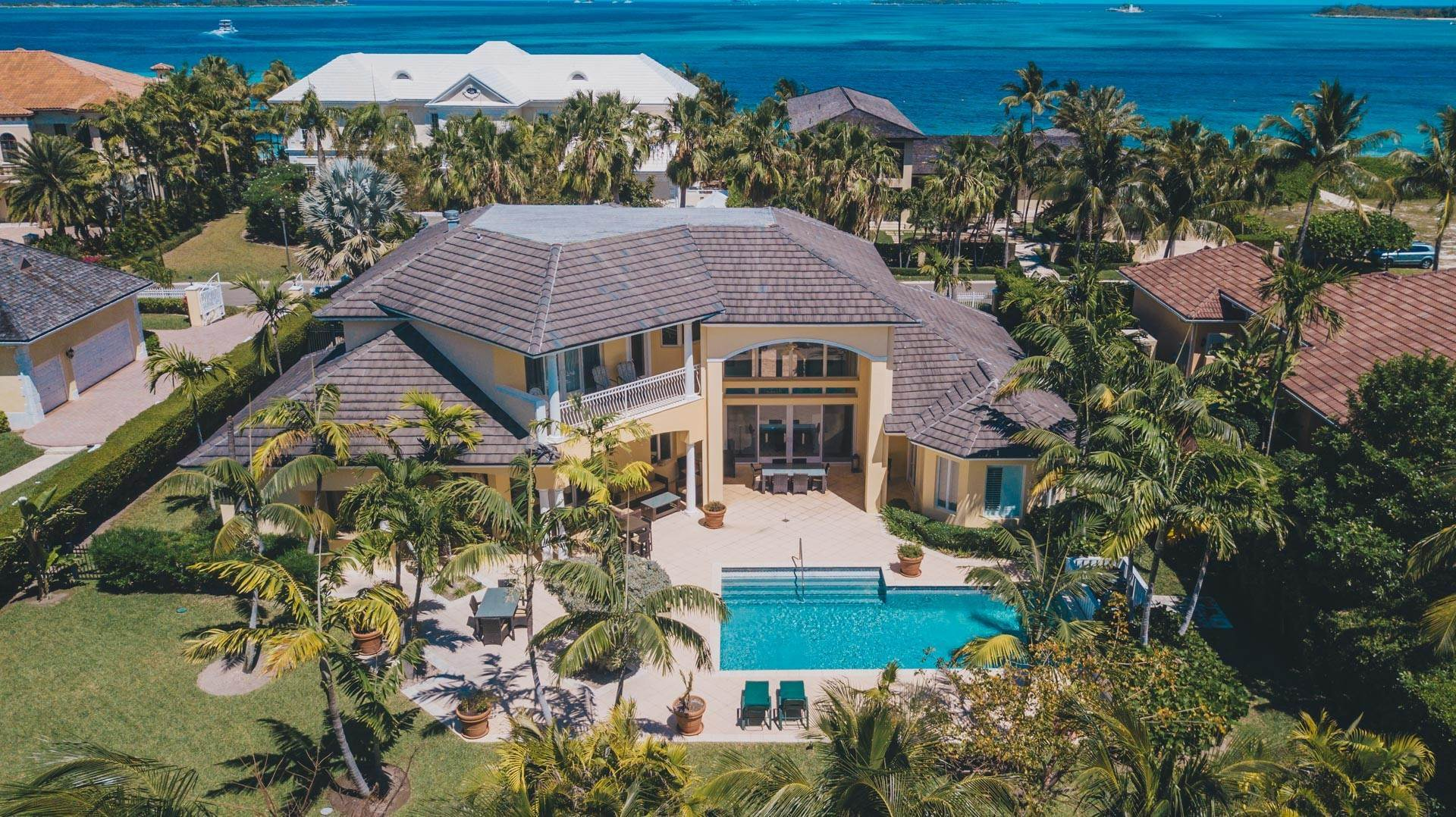 Single Family Homes for Rent at Ocean Club Golf Course Rental - MLS 37249 Ocean Club Estates, Nassau And Paradise Island, Bahamas